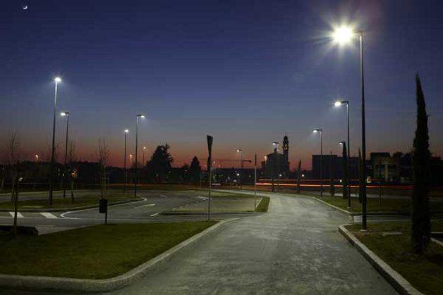 Illuminazione a led per le piazze dante e s francesco for Illuminazione stradale led